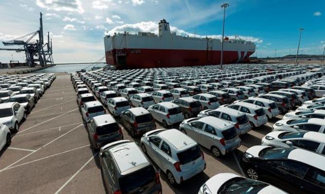 Tarragona, el puerto que más crece en tráfico de automóviles hasta abril