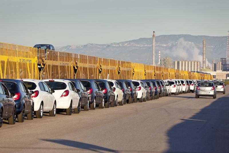 Tarragona y Valencia comparten el 4º puesto entre los mejores puertos para tráfico de automóviles