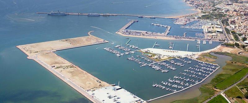 La Generalitat invierte 548.000 euros en la mejora del muelle comercial del puerto de la Ràpita