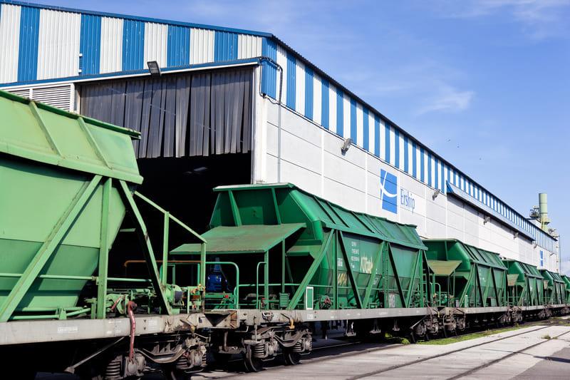 Comsa e Izer Ingeniería optan a desdoblar la vía ferroviaria del muelle de Castilla