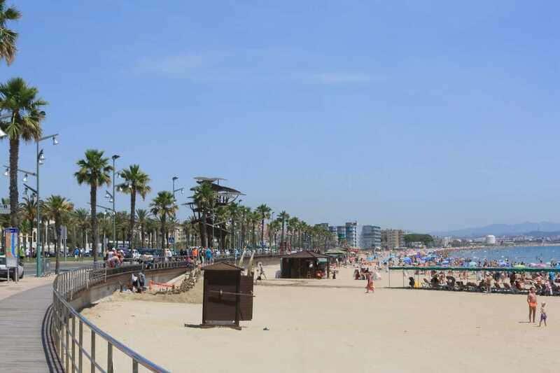 La APT licita por 2,1M€ el dragado y aportación de arena a la playa de La Pineda durante 4 años
