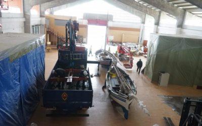 El traslado de cuatro embarcaciones históricas al Tinglado 2 marca el inicio de las obras del Museu del Port