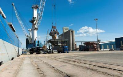 El tráfico del Puerto en marzo baja un 10% respecto a febrero