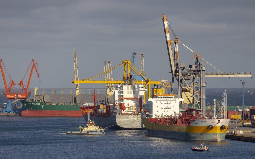 Los puertos movieron 174,8 millones de toneladas durante los cuatro primeros meses del año, un 6% menos