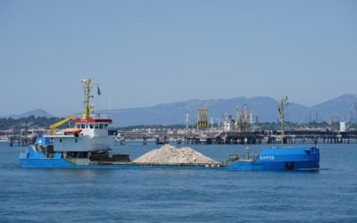 El Puerto avanza en la colocación de material de escollera en el muelle de Balears