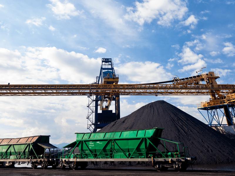 El grupo Enel mantendrá el tráfico de carbón en el Puerto mediante exportaciones a Italia