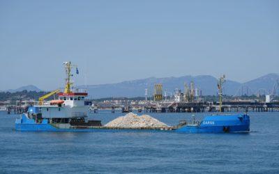 Tras 645 mil toneladas trasportadas, finaliza la operativa de material rocoso para el muelle Balears
