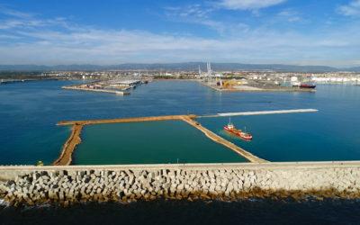 El muelle de Balears cierra el dique norte a la espera de empezar el dragado