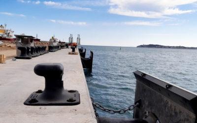 El Port inicia la instalación de los bolardos en el muelle de Balears