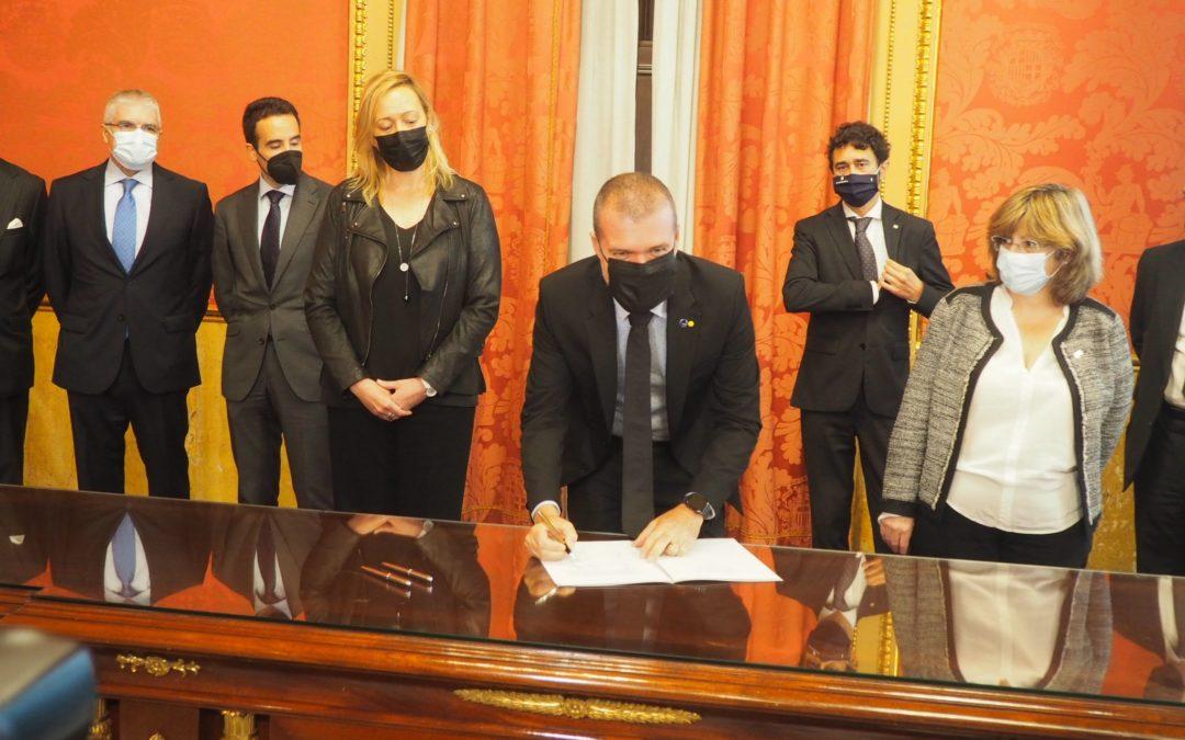 Los puertos de Tarragona y Barcelona formalizan su entada en el accionariado de la Terminal Intermodal Monzón
